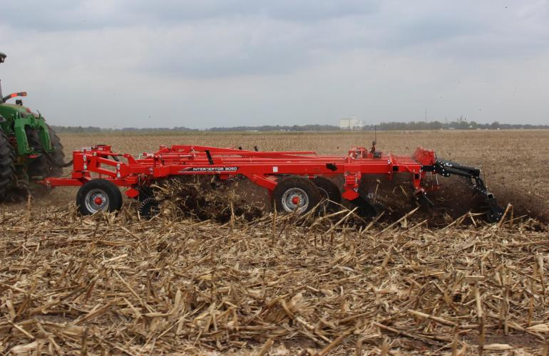 Interceptor 8050 Cover Crop Seeder