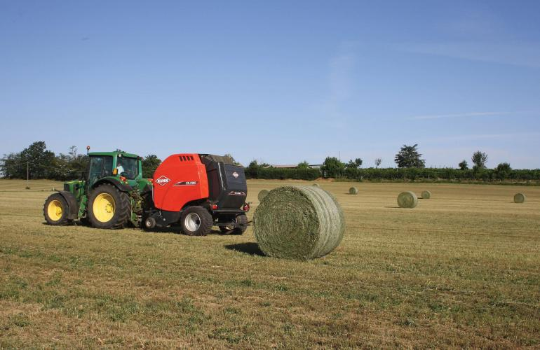 A VB 3160 round baler continuing to bale after ejecting a bale
